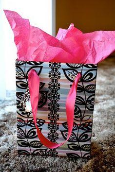 How to make a gift bag.