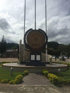 Monumento a la Quinta Brigada del Ejército Nacional de Colombia con sede en Bucaramanga- Santander.