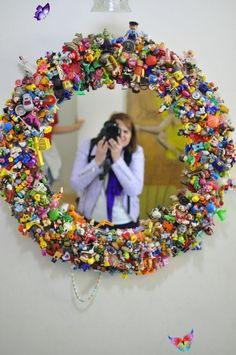 <br> Plastic Bottle Flowers, Plastic Bottle Crafts, Upcycled Crafts, Diy Upcycling, Repurposing, Marshmallow Pops, Diy Mirror, Huge Mirror, Wall Mirror