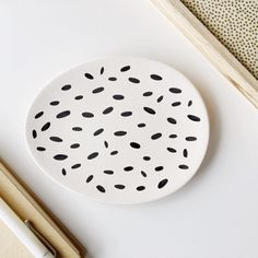 Porcelain decorative jewellery dish, ideal for placing rings, earrings and necklaces for safe keeping.  Finer details: · White porcelain · Size 15cm x 12cm  As each item is hand decorated, there might be (very) slight variations in the designs to the ones shown.  Not suitable for use with food or water.