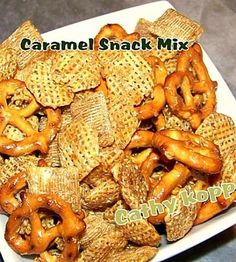 Easy Peasy Caramel Snack Mix. Make a big batch, stores and freezes great too!  #snack #caramel #easyrecipe