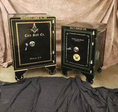 Antique Safe, Safe Vault, Vault Doors, Battle Rifle, Safe Lock, Man Stuff, Old Antiques, Industrial Furniture, Firearms
