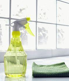 Il bicarbonato per pulire le superfici lavabili