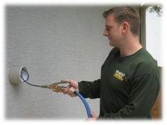 Installez un système anti-nuisibles dans vos murs.