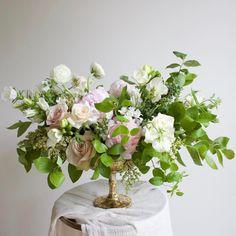 "342 Likes, 15 Comments - Lori Orlando (@avaflora) on Instagram: ""Lush, gardenesque centerpieces full of peonies, blueberry, campanula, sweet pea, roses, tweedia,…"""