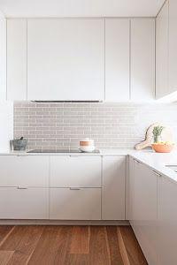 ¿En busca de la cocina perfecta? Pues vamos a ver las ventajas de elegir el blanco como color principal.