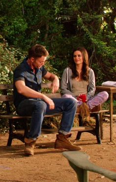 Zoe Hart wore a pair of Monrow Camo Vintage Sweatpants on Hart of Dixie. Shop it: http://www.pradux.com/monrow-camo-vintage-sweatpants-in-lavender-28533?q=s24