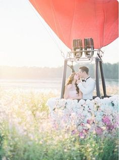 Giant Balloon Photo Ideas for Your Wedding
