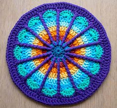 weeklymandala  Winks's new mandala... Love the precision in the hooking & how she doe her colour combos... such an art. <3