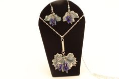 Pendant and dangle earring leaf set antique silver color, Art Nouveau and boho influence, elegant vintage style Pagan Jewelry, Leaf Jewelry, Jewellery, Unique Jewelry, Art Nouveau, Dangle Earrings, Pendant Necklace, Celtic Art, Blue Leaves