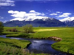 This is Eagle Cap wilderness in Oregon Wallowa county, United States. What a beautiful scenery! Beautiful Nature Wallpaper, Beautiful Landscapes, Viaje A Oregon, Viewing Wildlife, Spring Photos, Oregon Travel, World Cities, Eagles, Wilderness
