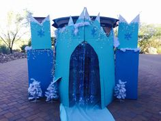Elsa castle from Frozen that I made for trunk or treat. I used cardboard boxes a. Elsa castle from Frozen Halloween, Theme Halloween, Holidays Halloween, Halloween Decorations, Halloween Ideas, Fairy Decorations, Cubicle Decorations, Halloween Costumes, Halloween 2020