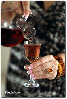 NALEWKA ŚWIĄTECZNA Alcoholic Drinks, Cocktails, Happy Hour Drinks, Party Drinks, Red Wine, Liquor, Food And Drink, Dinner, Cooking