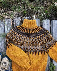 Hand Knitted Sweaters, Knit Mittens, Icelandic Sweaters, Pullover, Knitting Projects, Hand Knitting, Crochet Bikini, Instagram, Handmade