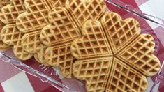 Low Carb Desserts, Waffles, Cooking Recipes, Caillou, Breakfast, Sweet, Polly Pocket, Power Rangers, Quiche