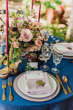 Our creates a stark look in this summer shoot. Design: Erica Sarell Weddings Photography: Jo Julia Photography Venue: Villa Parker Florals: Erin Ashley Design Rentals: Colorado Party Rentals Paper: Minted