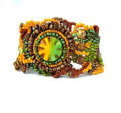 He encontrado este interesante anuncio de Etsy en https://www.etsy.com/es/listing/157342066/beaded-jewelry-beadwork-bracelet-seed