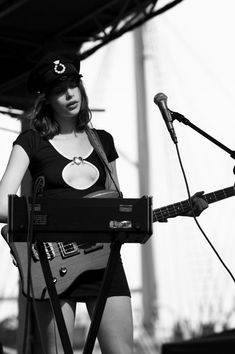 The Ghost of a Saber Tooth Tiger (Sean Lennon & Charlotte Kemp Muhl) played the Seaport w/ Blood Orange (pics, video) Guitar Girl, Kemp Muhl, Sean Lennon, Bass, Women Of Rock, Rocker Girl, Women In Music, Female Guitarist, Aesthetic Girl