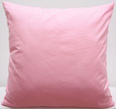 Jednokolorowe poszewki ozdobne w kolorze różowym