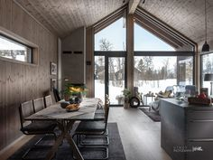 Nyoppført, lekker hytte levert av Sjemmdalhytta | FINN.no Dream House Exterior, Apartment Interior Design, Cabins In The Woods, Cottage Homes, Hygge, Future House, Beach House, Real Estate, Windows