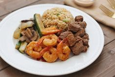 Japanese steakhouse style Hibachi Steak and Shrimp recipe made right in your own kitchen! Hibachi Shrimp, Hibachi Chicken, Hibachi Steak, Sunday Recipes, Instant Pot Dinner Recipes, Easy Dinner Recipes, Easy Dinners, Hibachi Recipes, Steak Recipes