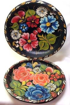 2 Vintage 11in Hand Painted Mexican Batea Folk Art Carved Wood Trays Plates
