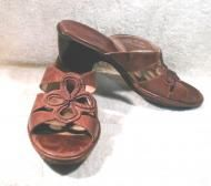 Price $21.55 . Beautiful brown summer sandals are Clarks from their Artisan Collection. Heels measure 2-inches. Insole is leather and soles are of man...
