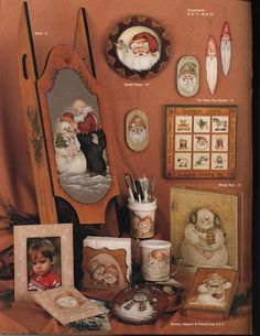Santa loves snowmen - Tatinha - Picasa Web Albums Twinkle Lights, Twinkle Twinkle, Tole Painting Patterns, Photo Boxes, Pencil Cup, Book Crafts, Craft Books, Vintage Santas, Warm And Cozy