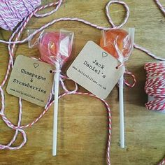 Cocktail/Alcohol flavoured lollies as wedding favours from… Wedding Favours Uk, Alcohol Wedding Favors, Wedding Favors Cheap, Wedding Catering, Wedding Themes, Wedding Ideas, Wedding Stuff, Dream Wedding, Plain Wedding Cakes