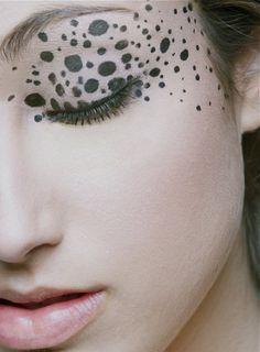 Hooded Eye Makeup – Great Make Up Ideas Couple Halloween Costumes, Halloween Kostüm, Halloween Cosplay, Halloween Makeup, Dalmatian Halloween, Dalmatian Costume, Tiger Costume, Dalmation Makeup, Makeup