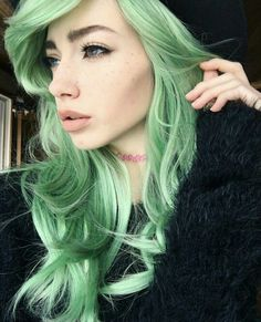 Sarah Marie Karda. Green hair. Beautiful. Photography