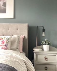 Farrow and Ball De Nimes in our bedroom - done! wandfarbe farrow and ball Farrow and Ball De Nimes Bedroom Guest Bedroom Decor, Bedroom Wall Colors, Bedroom Color Schemes, Bedroom Green, Bedroom Loft, Guest Bedrooms, Home Bedroom, Master Bedroom, Farrow And Ball Living Room