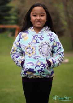 The Kids' Halftime Hoodie is the perfect staple. This PDF sewing pattern is available in sizes and offers the options of crewneck or hood as well as thumbholes, regular cuffs and pocket. Matching Hoodies, Sewing Patterns For Kids, Sewing Ideas, Sewing Projects, Girls Fall Outfits, Hoodie Pattern, How To Make Clothes, Modern Outfits, Little Girl Dresses