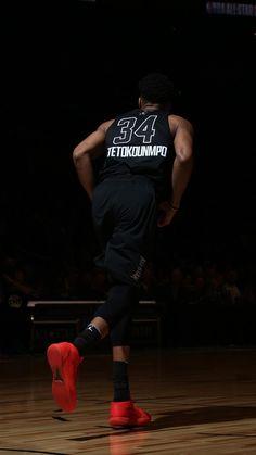 Best Basketball Shoes For Wide Feet Basketball Is Life, Sports Basketball, Basketball Players, Basketball Shoes, Nba Pictures, Basketball Pictures, Giannis Antetokounmpo Wallpaper, Nba Kings, Basketball Information