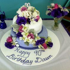 decorating birthday cake with fresh flowers Google Search Cakes