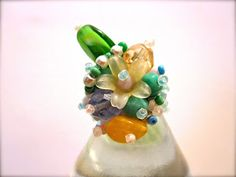 Green bouquet ring with honey amber and lots of glass beads♡♡
