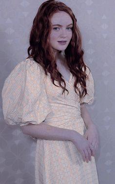 Sadie Sink, Short Sleeve Dresses, Dresses With Sleeves, Stranger Things, High Neck Dress, People, Fashion, Strange Things, Turtleneck Dress