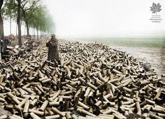 World War One, Our World, Ww1 Photos, Battle Of The Somme, World Conflicts, George Santayana, British Soldier, Wwi, Poses
