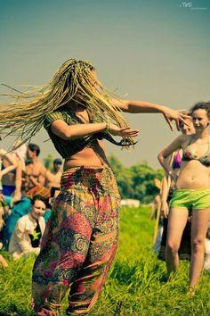 Rencontre femme hippie-teufeuse, femmes célibataires