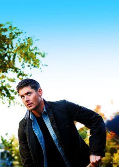 Dean Winchester Completes Me: Photo Jensen Ackles, Daneel Ackles, Jared And Jensen, Supernatural Tv Show, Supernatural Poster, Sam And Dean Winchester, Cinema, Thing 1, Castiel