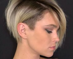 50 Badass Undercut Bob Ideas You CAN'T Say No To – Hair Adviser 50 Current Ideas of Most Flattering Short Hairstyles for Round Faces Undercut Bob Haircut, Pixie Bob Haircut, Longer Pixie Haircut, Short Hair Undercut, Undercut Hairstyles, Bob Haircuts, Modern Undercut, Pixie Haircut Round Face, Pixie Cut With Undercut