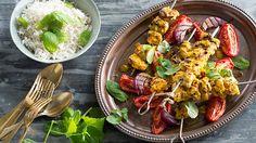 Chicken, lemon and saffron kebab (joojeh kabab) Saffron Chicken, Lemon Chicken, Kebab Meat, Chicken Kebab, Mince Recipes, Yogurt Recipes, Middle Eastern Recipes, Roasted Tomatoes, Yum Yum Chicken
