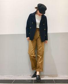 スタッフスナップ9日 Pコート 新作のコートにワイドパンツ!ワイドパンツは少し折って足首見せていただくとまた雰囲気もかわります♪
