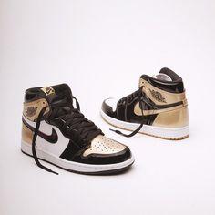 45298acc735373 Twitter Black And Gold Jordans