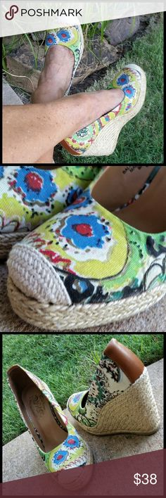 "Nine West Vintage America Collection  Espadrilles Floral canvas Espadrilles w/rope wedge heel, and leather trim on the back. Cute cute cute!!!!! Great condition. Look brand new!! Heel height 4.5"" w/ 1"" toe platform. Nine West Shoes Espadrilles"