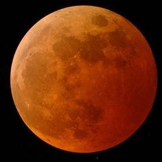 Mark Your Calendars for a Rare Super Blood Wolf Moon Appearing in January 2019 Orange Moon, Moon Painting, Orange Aesthetic, Moon Photography, Wolf Moon, Lunar Eclipse, Blood Moon, Super Moon, Blue Bloods
