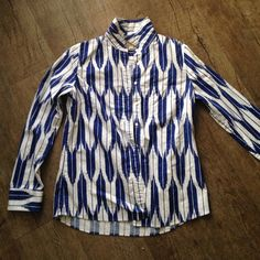 J. Crew Patterned Button Down Pre-Loved long sleeve patterned Oxford. J. Crew Tops Button Down Shirts