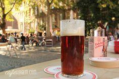 Altbier #Uerige #Beer in #Dusseldorf, #Germany > http://www.cafeviagem.com/dusseldorf-roteiro-alemanha