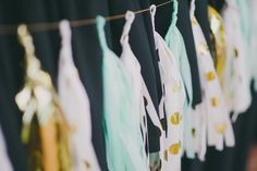 gold, white, & turquoise colour scheme