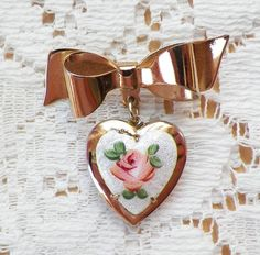 Beautiful Vintage Gold Bow with Dangling Guilloche Heart Locket Pin / Brooch / Broach, White Guilloche Enamel, Pink Rose